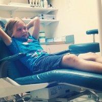 dziecko na wizycie u dentysty