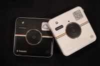 Dwa aparaty fotograficzne